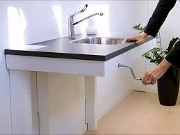 Uitschuifbaar Werkblad Keuken : Info over hulpmiddelen: oplossingen om zittend te koken